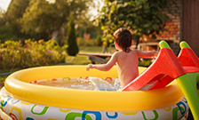 Как выбрать бассейн для ребенка на дачу